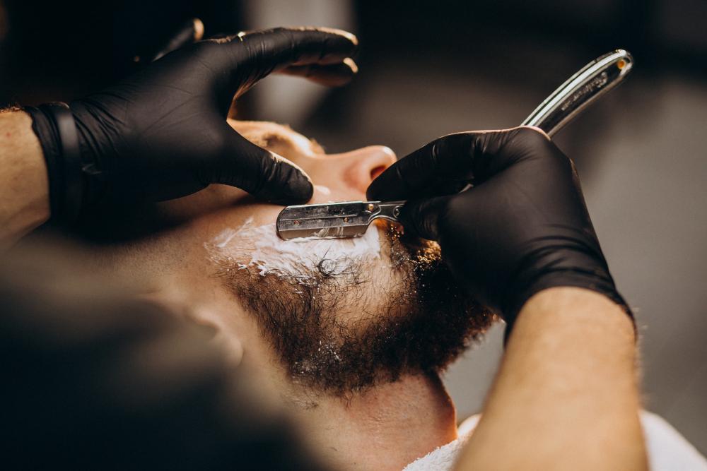 Men's haircut , Beard grooming